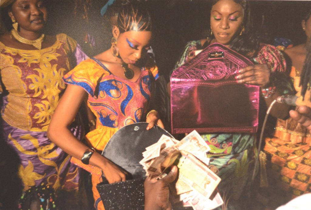 © Youri Lenquette, Night People (today)   theMatter, Immeuble Grey, Dakar, 2018. Courtesy Khadidiatou Cissé