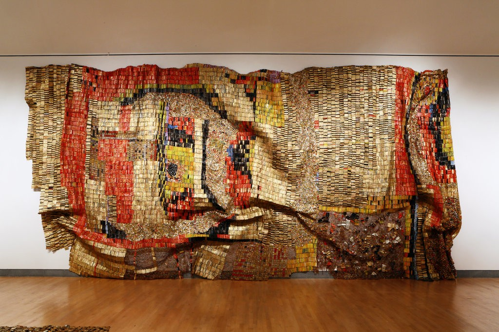 "El Anatsui, ""Earth's Skin"", 2007. Via nytimes.com"