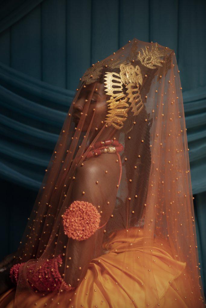 "Untitled work from the series ""e wá wo mi (come look at me)"" by Lakin Ogunbanwo. Courtesy of WHATIFTHEWORLD Gallery / (c) Lakin Ogunbanwo"