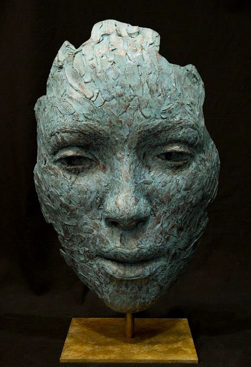 Lionel Smit, Occurrence Mask, Bronze, 2019. Source: Everard Read