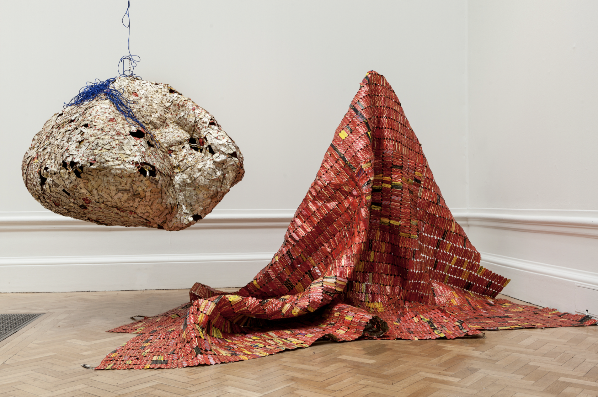 El Anatsui, 'AG + BA', 2014, Aluminium, copper wire and nylon rope, dimensions variable. Courtesy the artist and October Gallery, London. Photo: Jonathan Greet.